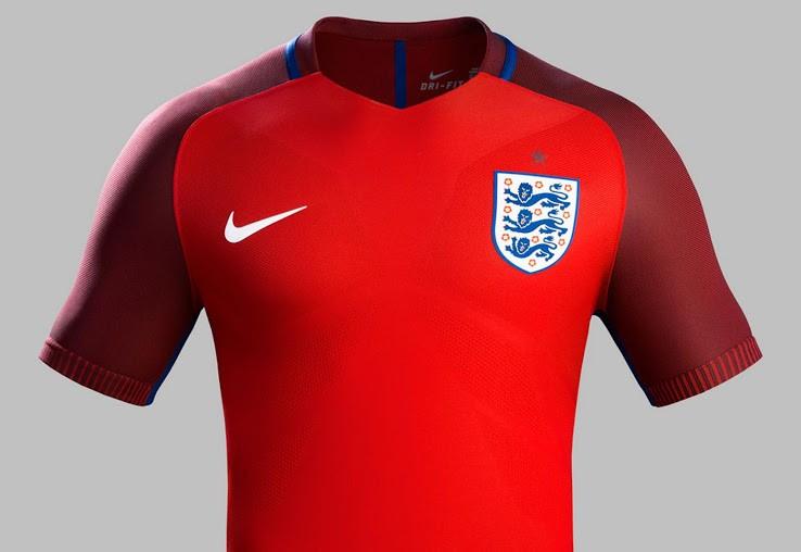 Anglie pryč fotbalové košile špionážní fotografie expozice