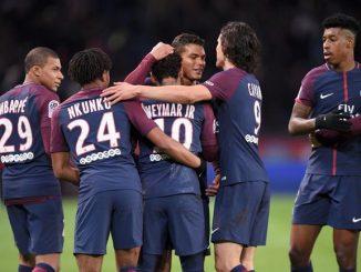 Edison Cavani zaznamenal 156 gólů, které dohonily týmy Paris Saint-germain PSG