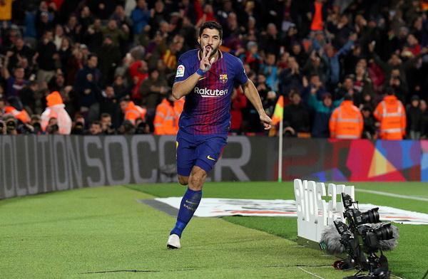 Barcelona vyhrává protihráče a získává zjevné výhody